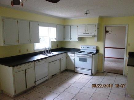 128 Stonebridge Kitchen