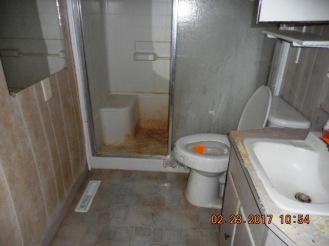 114-poplar-bathrom