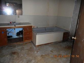 114-poplar-bathroom-2