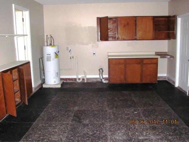 221 Sandridge Utility Room