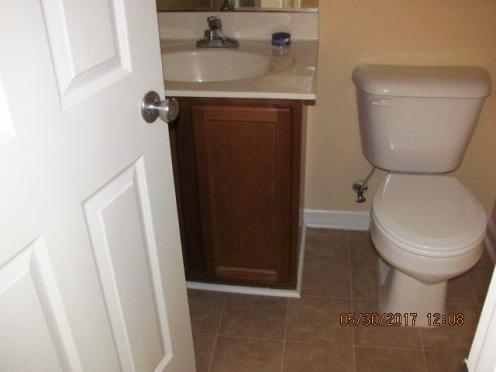 412 N Wilmington Half Bathroom