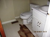 103 Woodland Bathroom