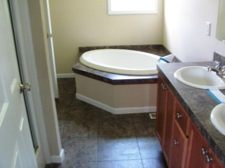 14 Bailey Master Bathroom