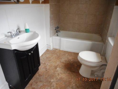 414 E 2nd Bathroom
