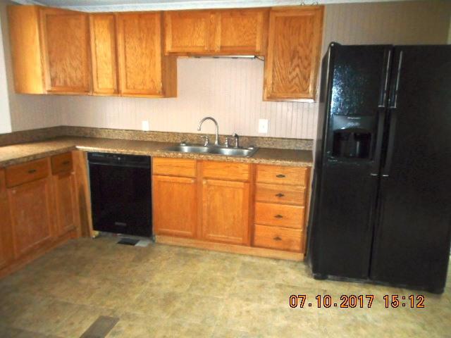 414 E 2nd Kitchen