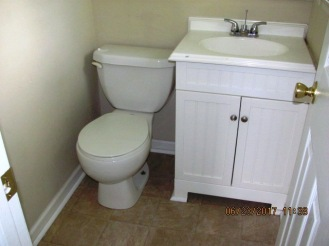 6507 Parker Half Bathroom