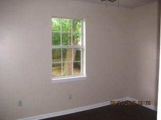 828 S Dogwood Bedroom 3