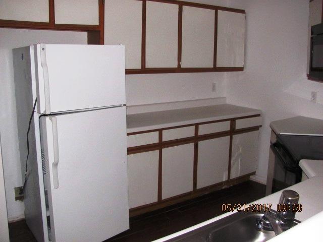 828 S Dogwood Kitchen