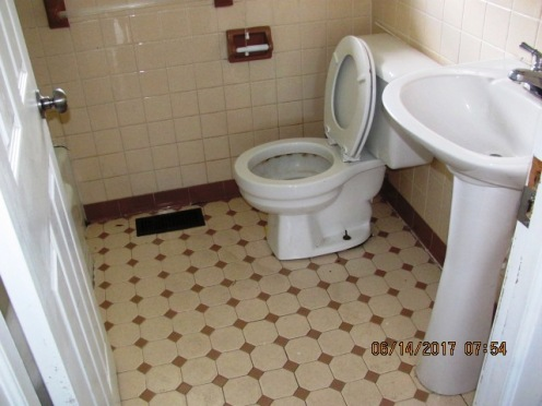 113 McMillan Bathroom 2