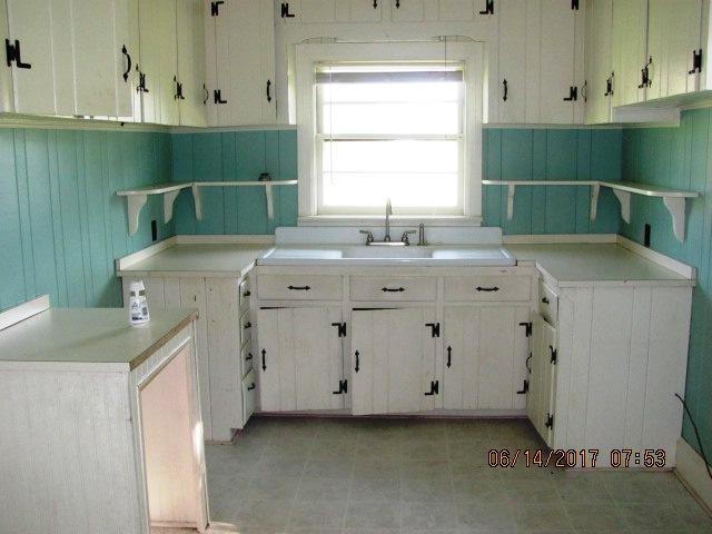 113 McMillan Kitchen