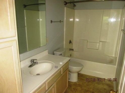 604 Courtyard Bathroom