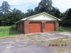 7389 Hwy 55 Detached Garage