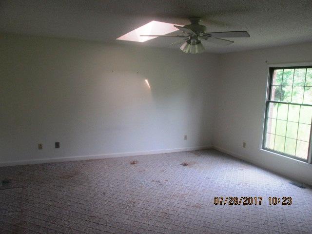 7389 Hwy 55 Master Bedroom