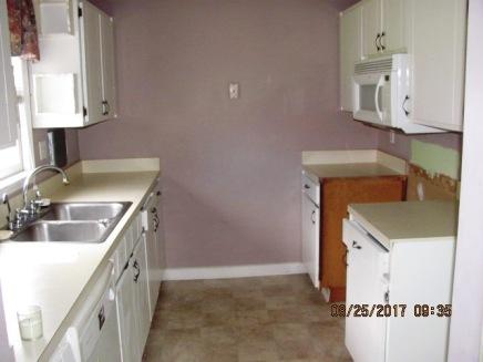 413 Forest Hills Kitchen (2)