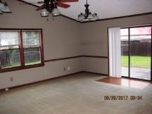 413 Forest Hills Living Room
