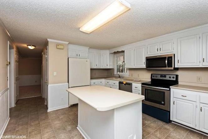 306 Moore Swamp Pro Kitchen View 2