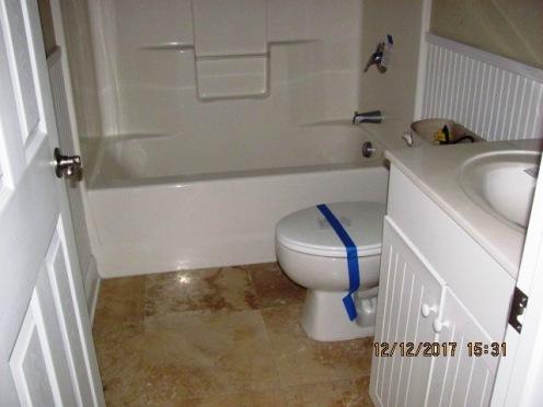 4015 Marina Townes Bath 2