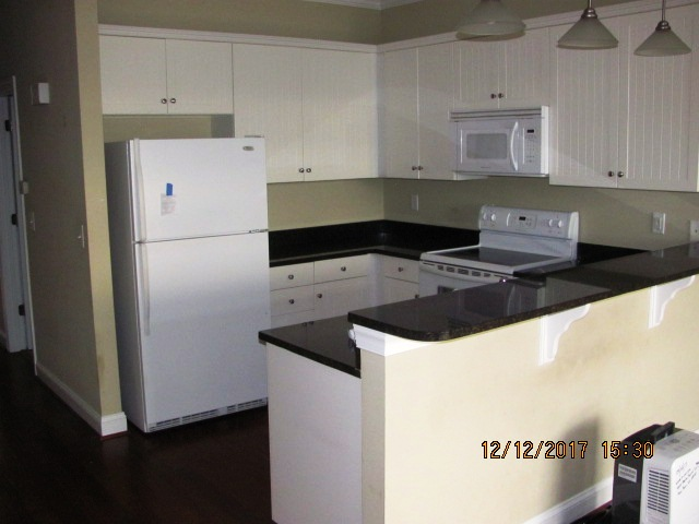 4015 Marina Townes Kitchen