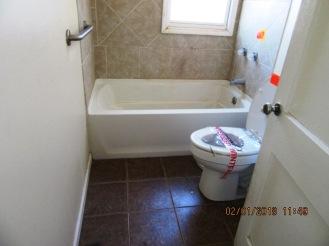 104 Hollywood Bathroom