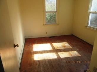 104 Hollywood Bedroom 1