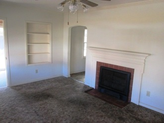 1605 Colonial Way Living Room