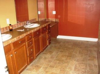 180 Pine Master Bathroom