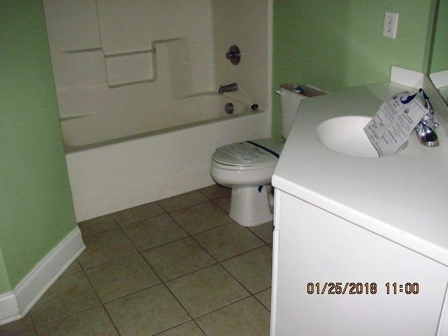 401 Jade Bathroom