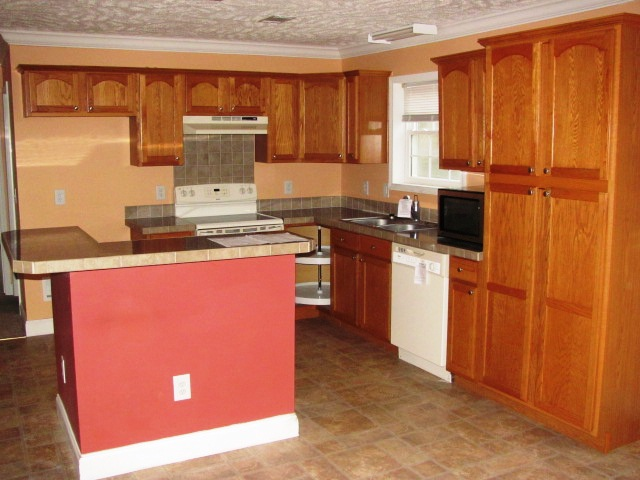 410 Mallard Kitchen