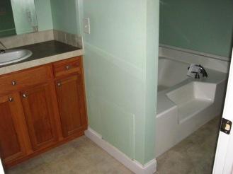 410 Mallard Master Bathroom