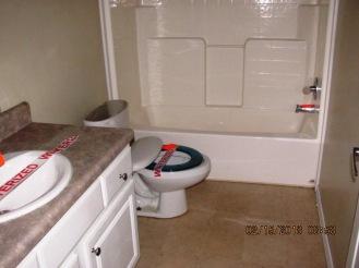 102 Rainmaker Bathroom