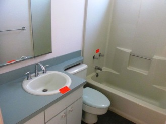 6103 Schooner Bathroom