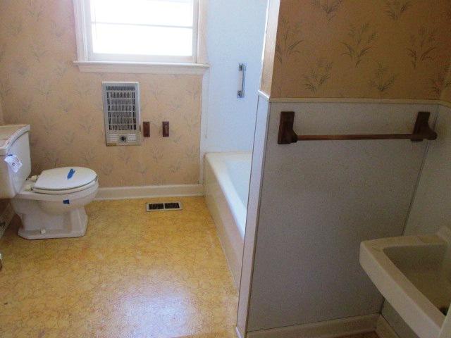 795 Chair Bathroom