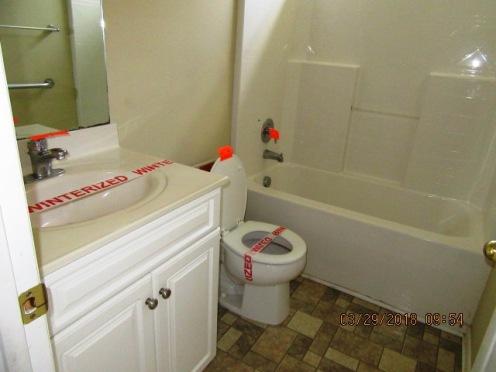 101 Two Putt Bathroom