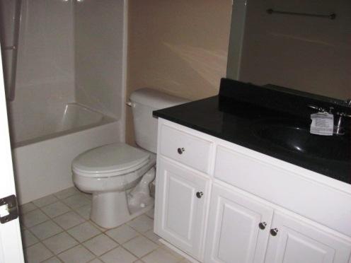 122 Twelve Oak Bathroom