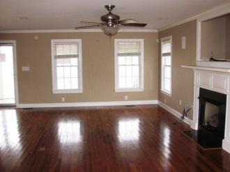 122 Twelve Oak Living Room