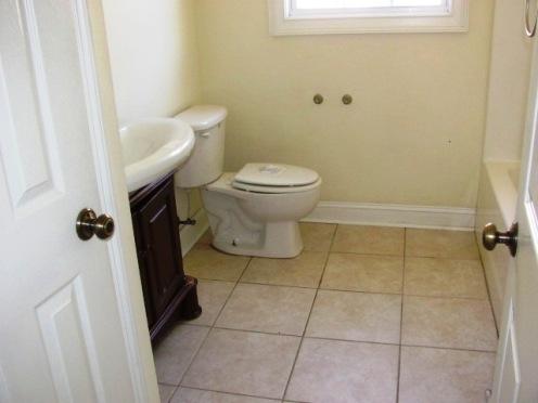 169 Country Club Bathroom