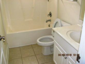 687 Crump Farm Bathroom