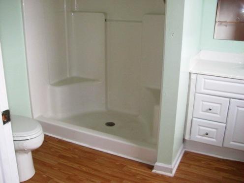906 N Yaupon Bathroom 1