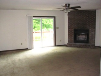 1009 Furia Living Room