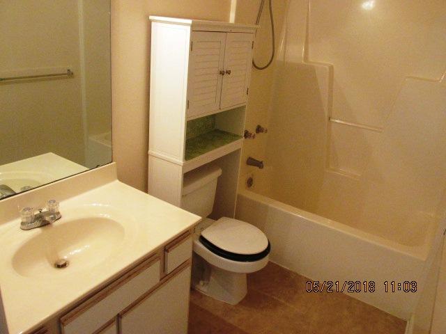 102 Luke Bathroom