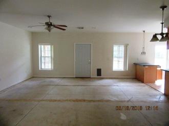 1089 Hwy 306 Living Room