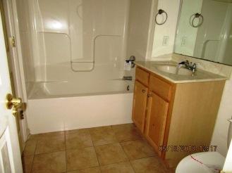 1089 Hwy 306 Master Bathroom
