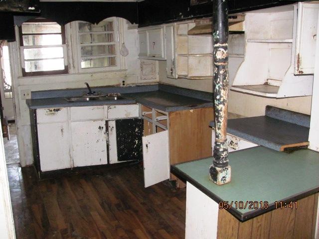 520 Sand Hill Kitchen