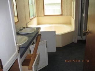 780 Main Master Bathroom