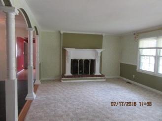 101 Daniels Ct.Living Room View 3